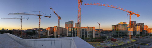 Panorama with a lot of cranes, they are building a huge new library and the new Munch museum here