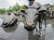 A bronze cow on the Koemarkt (cow market), the central square in Purmerend