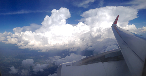 And a pretty cumulonimbus on the landing approach in Oslo - HOME!