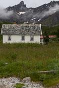 Nice house near the beach in Rekvik