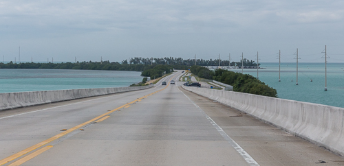 Driving along the Florida Keys - amazing road