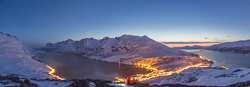 Night time panorama - you can see the crazy tourists in their orange sleeping bags in the middle