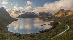 Fantastic autumn view from Bergsbotn