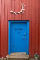 Poem on a door in Henningsvær