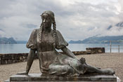 A statue on the shore of Lake Brienz