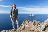 Paul poses in front of Sørfugløya (Southern Bird Island) - I took a similar photo of him in front of Nordfugløya (Northern Bird Island) just a few weeks ago :D