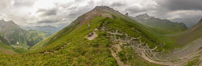 The Richetlipass, 2261 m. Another tough descent was waiting, more than 1700 m down to Linthal.