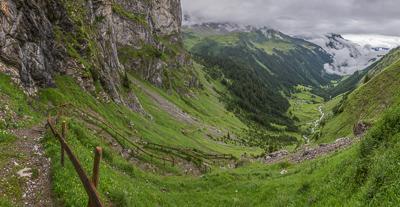 Descending to Äsch