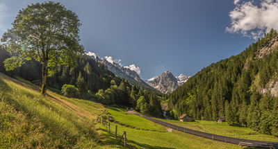 A beautiful day for hiking from Meiringen to Grindelwald