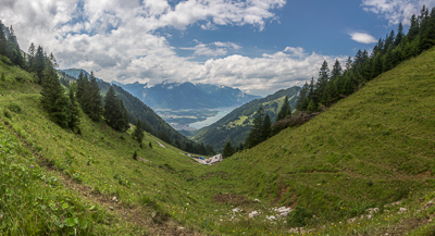 But all is forgotten when you reach Col de Chaude (1621 m) and you can see the Lake of Geneva below...